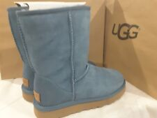 New UGGS Casade blue suede Classic Short II SHEEPSKIN BOOTS, size 6 women's
