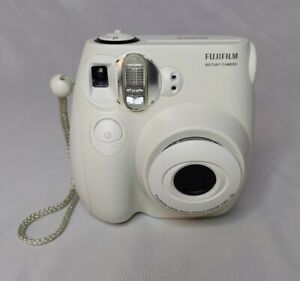 Fujifilm Instax Mini 7s Instant Camera Works