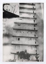 PHOTO DE PRESSE AFP Montage Photomontage Chute immeuble Curiosité Faits divers