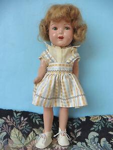 Poupée américaine ancienne: jolie petite poupée composition  31 cm.
