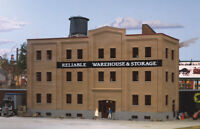 Walthers -HO-#3014     Reliable Warehouse & Storage Kit