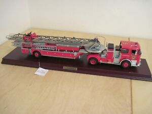 Franklin mint precision models 1:32 1965 Seagrave fire engine boxed