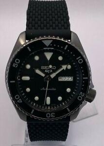 Seiko 5 Sports Men's Auto Gun metal Black Dial Silicone Strap Watch SRPD65K2