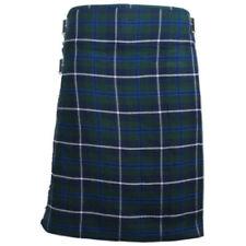 Vêtements traditionnels d'Europe kilts bleus