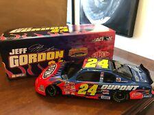 1/24 JEFF GORDON #24 DUPONT BW/BANK 2002 ACTION NASCAR DIECAST MINT w/ Box