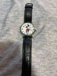Disney Mickey Mouse Mens Silver Vintage Alloy Watch, Black (WDS000609)