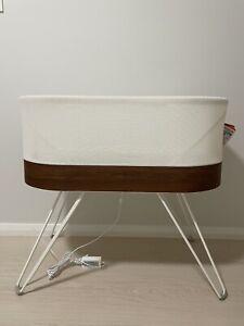 Snoo Smart sleeper baby bassinet ( excellent condition )