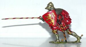 BK09 Britains foot knight of Agincourt - well repainted, with lance