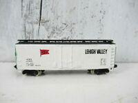 Bachmann N Scale Freight Train Car, LEHIGH VALLEY 40' Reefer Boxcar #41003