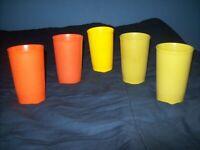 TUPPERWARE 8 OZ JUICE CUPS GLASSES TUMBLERS CUPS LOT OF 5 GREEN ORANGE YELLOW