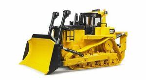 CAT Large Track-type Tractor (Crawler Bulldozer) Bruder Toy Car Model 1/16 1:16