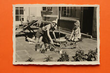 Foto Kinder Spielzeug Holzeisenbahn Eisenbahn Häuser Holzspielzeug 1950er spiel
