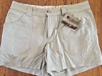 NWT COLUMBIA SPORTSWEAR Hiking Casual Trail Exercise WOMENS KHAKI SHORTS SIZE 8