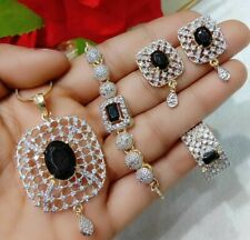 Black Stone Gold Tone Fashion Jewelry Ad Ring Bracelets Pendant Necklace Earring