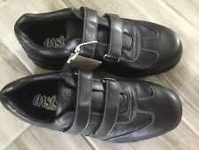 Men's black leather shoes Velcro OASIS Brand. Size 9 WIDE Quality