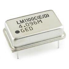 Lot Of 2 Two 4096mhz Crystal Oscillator Crystal Resonator 5vdc Usa Seller