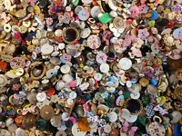 Lot of 100 Mixed Vintage and New Sewing  Buttons
