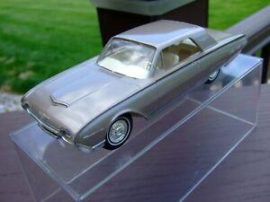 1963 Ford Thunderbird---BEAUTIFUL COLOR COMBINATION-VERY VERY NICE-
