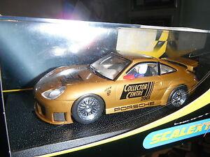 SCALEXTRIC PORSCHE 911 GT3R 2001 COLLECTOR CENTRE GOLD NEW IN  BOX C2388