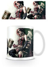 NEW! BATMAN (HARLEY QUINN POSE) MUG