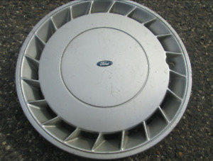 One factory 1989 to 1991 Ford Probe hubcap wheel cover