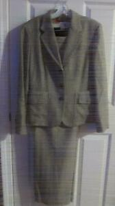 Anne Klein 2 Pc Plaid Wool Suit For Women Brown/Black Top Sz12 Pant10 -Pre-owned