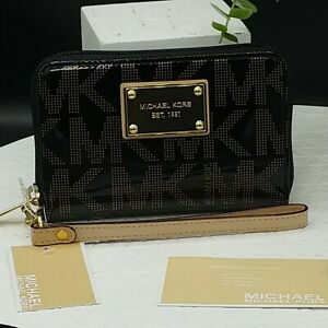 Michael Kors Wallet Mlt Function Wristlet MK Sig. Print Black/Tan Patent Leather