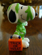 Snoopy Halloween Mummy Figure United Feature Syndicate Peanuts Pvc