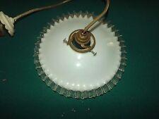 Suspension ancienne abat jour verre opaline plissée  S110