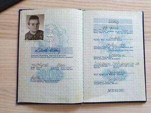 Reisepass DDR von 1972 mit Eintragungen