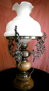 Sehr schöne Lampe mit Spritzgußapplikationen 60/70er Jahre