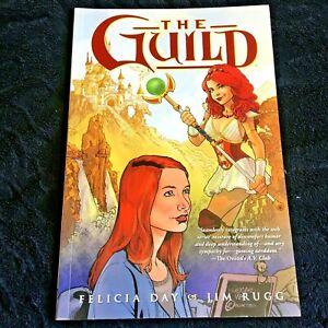 1st Edition 2010 The Guild Felicia Day Jim Rugg Graphic Novel Dark Horse Comics