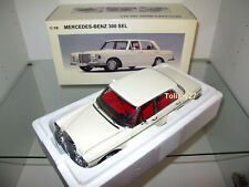 1:18 AUTOart 76141 Mercedes-Benz 300 SEL 6.3 1970 white weiß, NEU & OVP