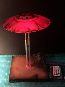 UFO DESK LAMP