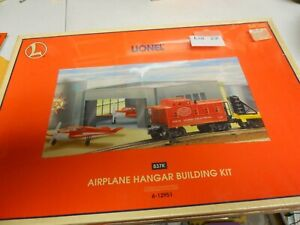 Lot 22: Lionel Airplane Hanger Building Kit 6-12951 original box