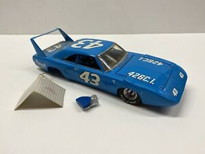 Franklin Mint Richard Petty 1970 Plymouth Superbird 1:24 Die Cast Car for PARTS