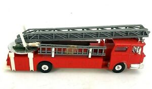Model Power Red Diecast Fire Truck With Aerial Lift Ladder Scale 1:48 7968MP