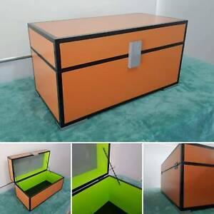 Minecraft chest *Pick up Wynnum* *new*