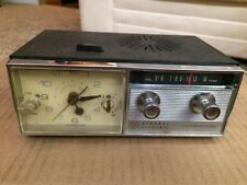 VINTAGE-GENERAL ELECTRIC C550A TRANSISTOR ALARM CLOCK RADIO