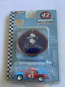 Winners Circle #43 Richard Petty Buick Heritage Collection Mint Carded