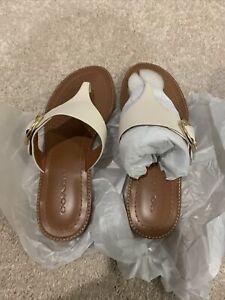 COACH LESLI Saddle  Leather Flat Sandals Size 8 New In Box