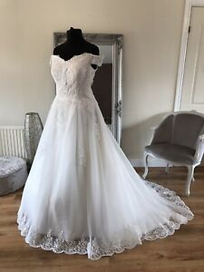 Bridal Gown/Wedding dress,Ball gown,off the shoulder ,Ivory,Size 22, BrandNew