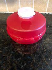 TUPPERWARE RED ROUND SANDWICH OR BAGEL KEEPER MINI SALAD WIDGET 4440-A 4453-A
