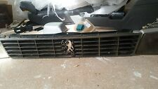 Peugeot 505 Sedan Wagon FRONT GRILL Centre Grille