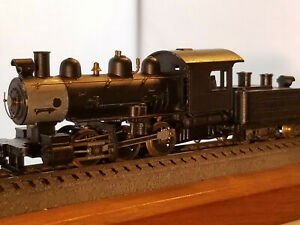 HO 0-6-0 Switcher with sloped back tender, Kadee couplers front and back, DC, r