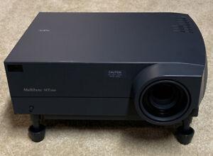 NEC Model MT1000 MultiSync Conference Room Projector