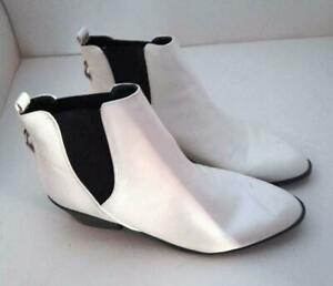 """Good Condition New Look White Ankle Boots Size 8 In Chelsea Style With 2"""" Heels"""