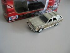 `79 Chrysler Town & Country Station- Wagon White/Woody 1979 *Motor Max 1:64 OVP