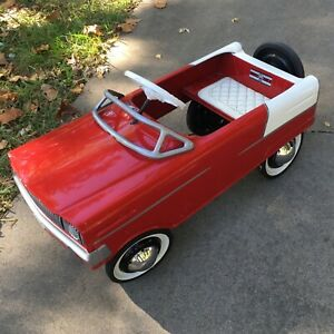 Vintage Murray O. Cleve. O. Red Pedal Car