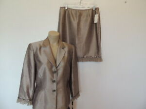 New with tag $280.Tahari Luxe size 12 taupe beige beading pretty buttons suit
